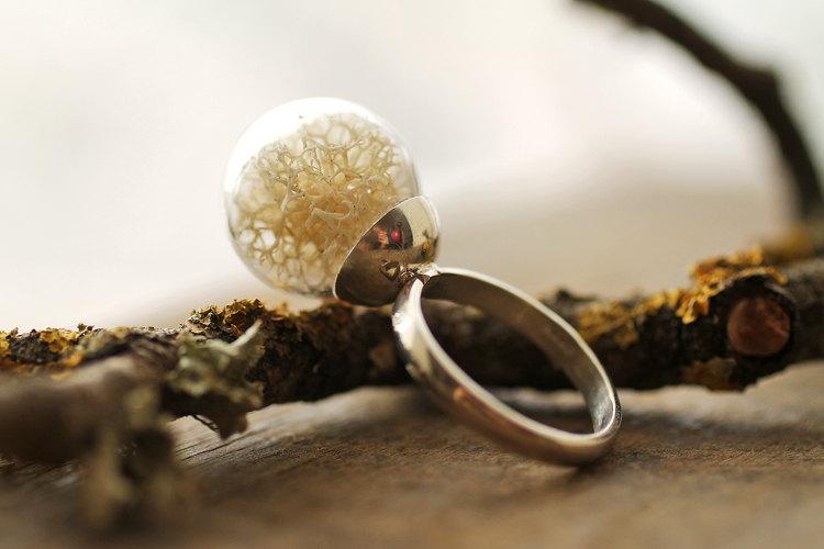 mahovina prsten